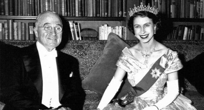 princess-elizabeth-with-harry-s-truman-canadian-embassy-nov-1-1951